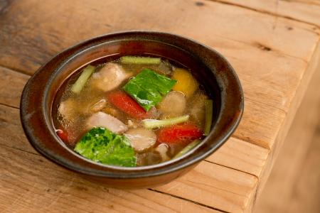 近江シャモと根菜のスープ
